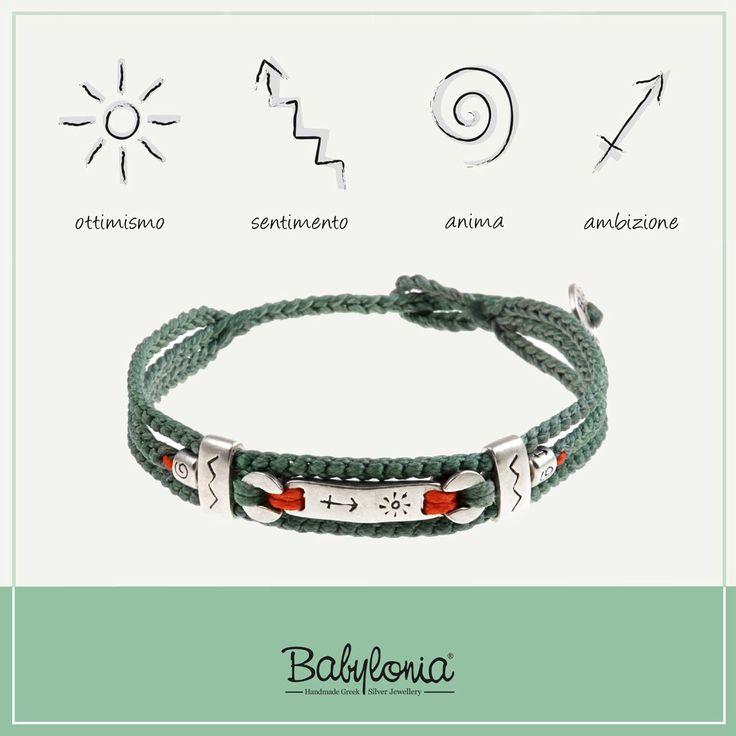 I gioielli della linea Babylonia sono realizzati artigianalmente in argento 935 e corda nautica. Con i gioielli Babylonia, si indossano simboli senza tempo.