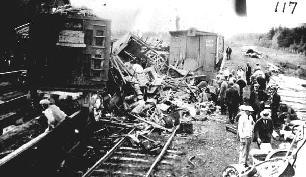 Barnes Circus train wreck (With images) | Circus train ...