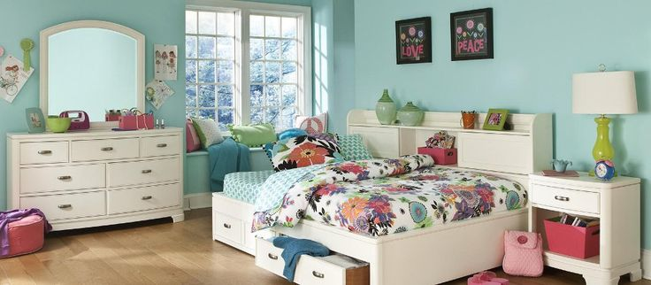 Teenage Girls Bedroom: Peace Styleboard by A Growing Family