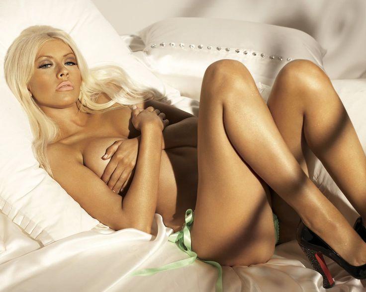 Christina aguilera sluty naked