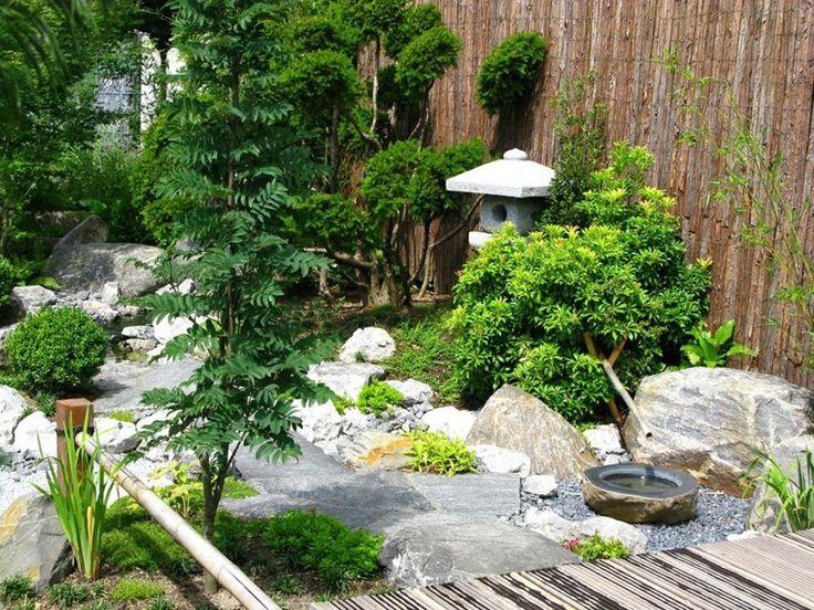 Schöne Und Ruhige Japanische Garten.