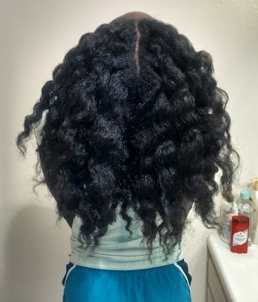 Click the image for Lénora's natural hair photos and regimen