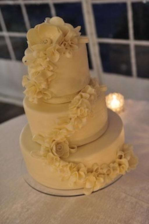 studiocake: wedding cakes in Menlo Park