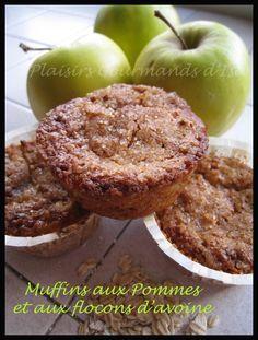Pour 12 muffins : 50 g de flocons d'avoine 100 g de farine complète (T150) 100 g de sucre roux 1 sachet de levure chimique 2 oeufs 10 cl d'huile 1 cuillère à café d'extrait de vanillé 2 pommes râpées Mélangez les solides : farine, sucre, levure, flocons...
