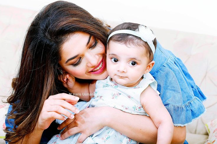 Adorable cute little angel of sanam jung is again viral on internet. Alaya the daughter of Sanam Jung had a new photo shoot by Haris Usmani.