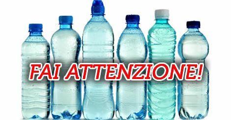 I pericoli dell'acqua in bottiglia – Cosa indica il numero sul retro