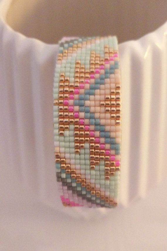 Bracelet tissé en perles de Miyuki par Amelielotasa sur Etsy