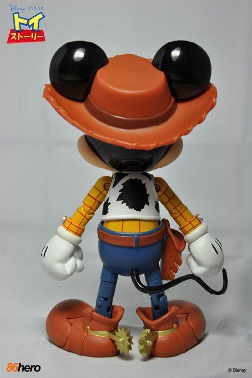 A 86 Hero anunciou uma nova versão de sua figura híbrida de metal com plástico do Mickey Mouse, desta vez vestido como o Xerife Woody da série de filmes Toy Story. O Mickey Mouse x Woody Hybrid Metal Figuration mede 14 cm de altura e é feito 30% de plástico PVC e 70% de metal…