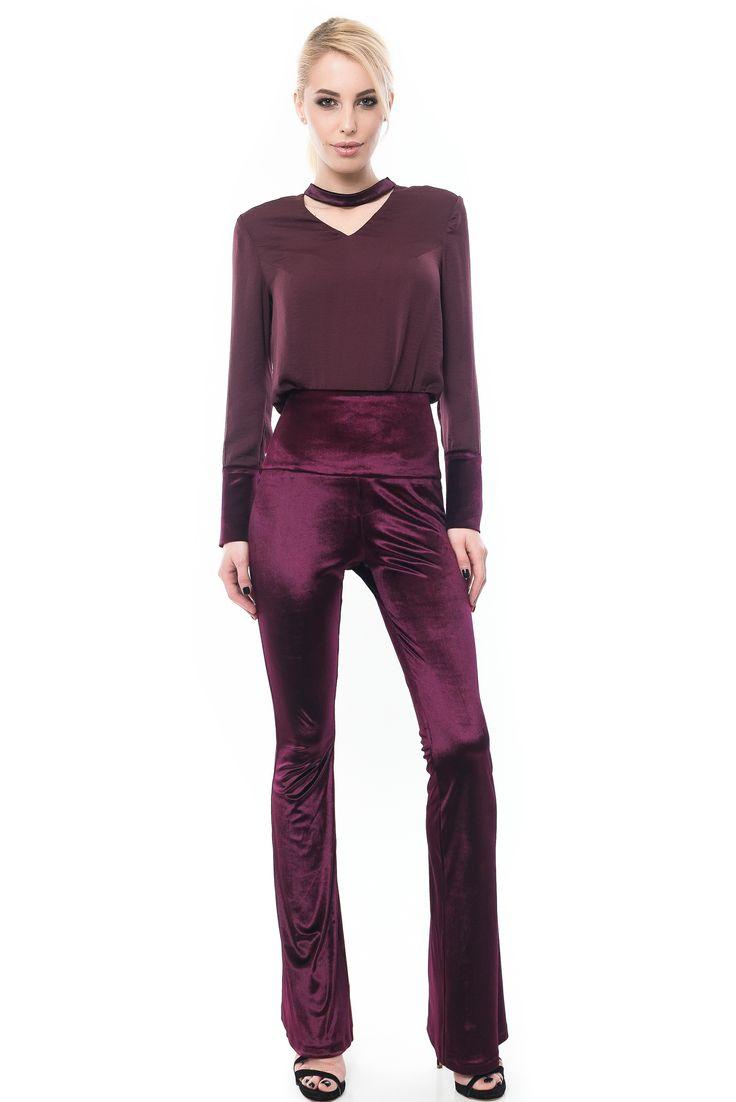 PANTALONI EVAZATI DIN CATIFEA dark purple velvet trousers  Sursa: http://maruca.ro/Pantaloni-evazati-din-catifea-w10380 Copyright © Maruca.ro