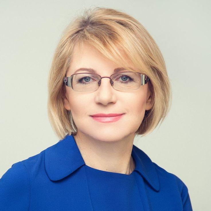 Katarzyna Przemyska - Właścicielka i prezes firmy KP-System działającej w branży IT od ponad 25 lat. Działacz samorządowy z długoletnim doświadczeniem, obecnie trzecia kadencja w samorządzie lokalnym – radna gminy Lesznowola, Członek Komisji Polityki Gospodarczej oraz Komisji Polityki Społecznej.