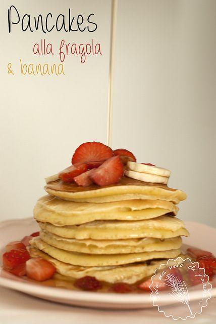 Dolce colazione...  http://www.solounvelodifarina.it/2014/03/pancakes-alla-fragola-e-banana.html