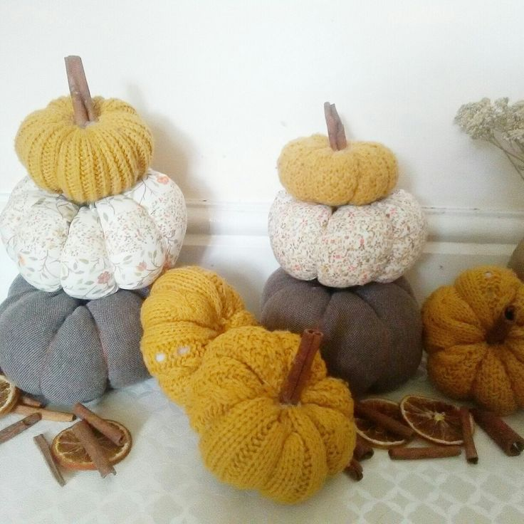 Lots of pumpkins for sale! Get them fast!