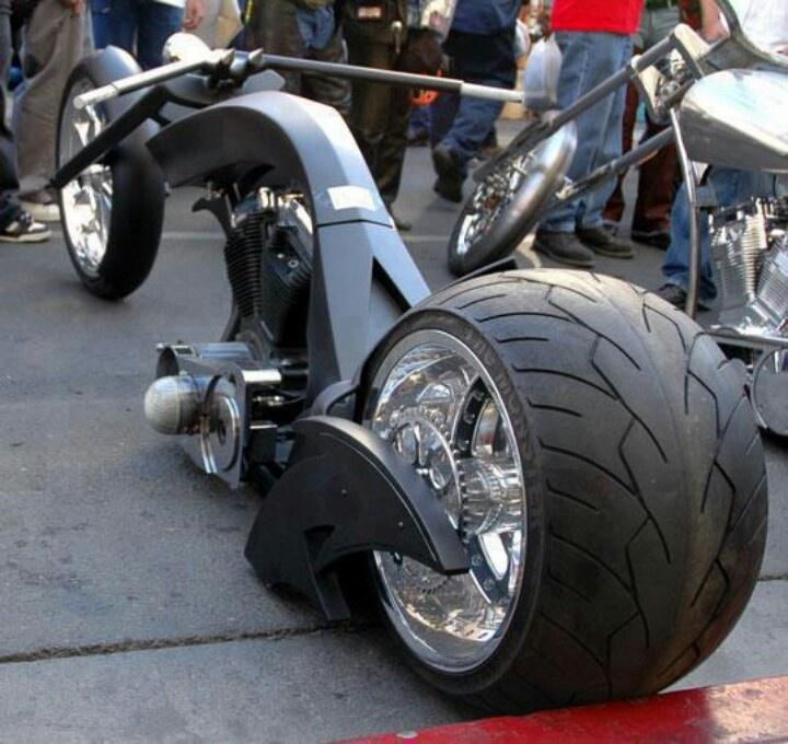 pin von tonya d pace auf hell on wheels motorcycle pinterest motorr der getunte motorr der. Black Bedroom Furniture Sets. Home Design Ideas