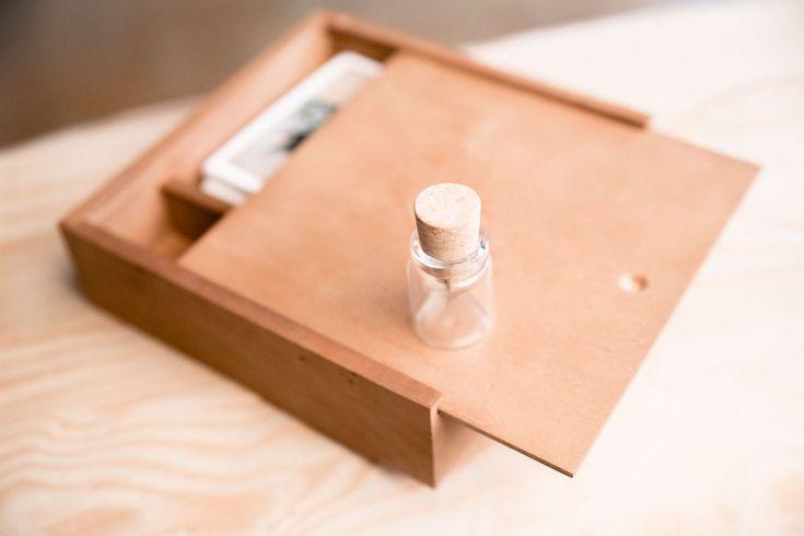 Wooden Box, regala un ricordo. Stampe e chiavetta USB in stile elegante!