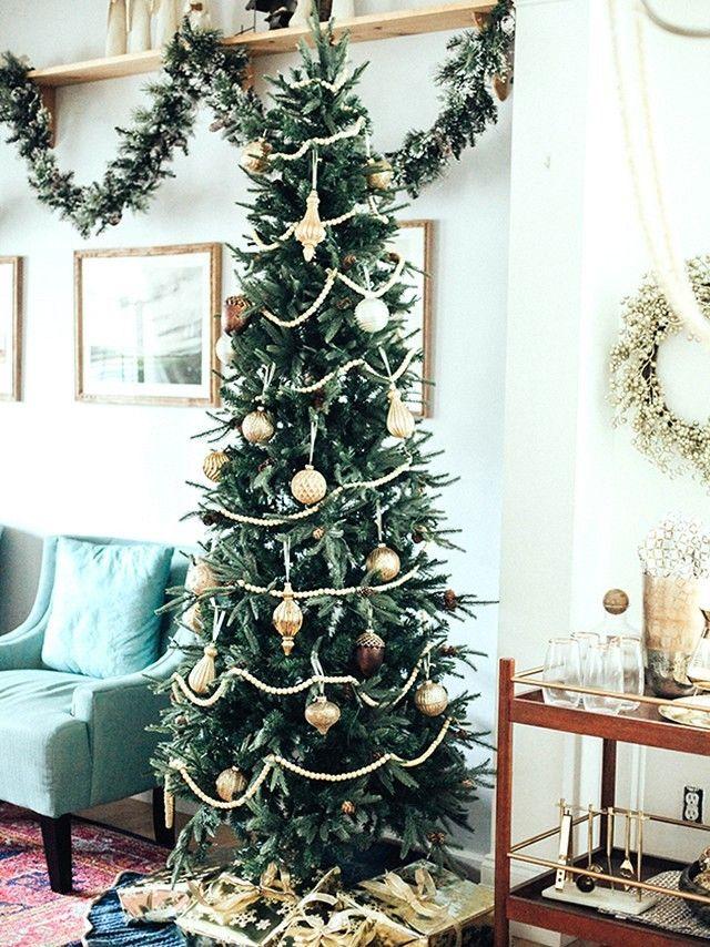 mid-century Christmas decorating