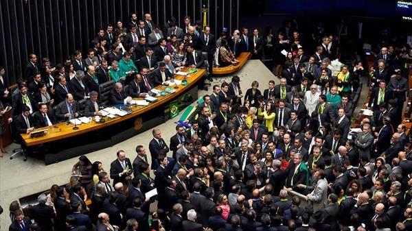 """ONU dice que la salida de Estados Unidos del Acuerdo de París es una """"gran decepción"""""""