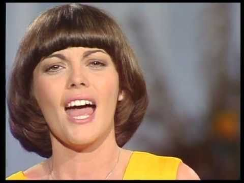 Mireille Mathieu -La Paloma Ade- - YouTube
