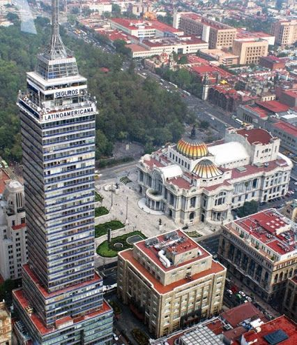 #México,D.F.- La Torre latinoamericana y El Palacio de bellas artes. Hermosa mi ciudad. Luly O.  Tour By Mexico - Google+