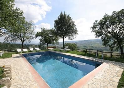 Panoramic swimming pool of a villa rental in Umbria, near Orvieto. http://en.teseotur.com