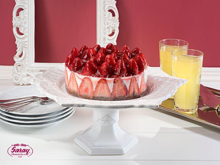 Çilekli Yoğurtlu Pasta