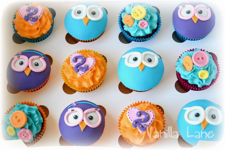 Hoot and Hootabelle themed cupcakes......