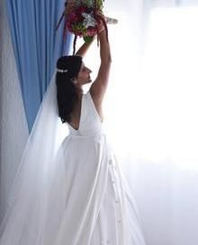 Luzja created her dream wedding dress using our Temptation fabric and Superba chiffon in white.