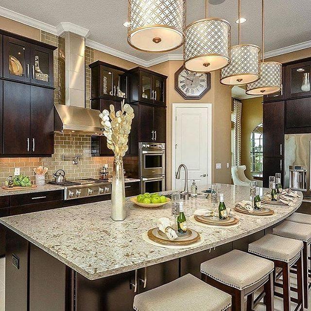 "713 Me gusta, 10 comentarios - Melonie (@themellionairehouse) en Instagram: ""Stunning kitchen design by Taylor Morrison Homes Happy Monday! credit: @taylormorrisonhomes"""