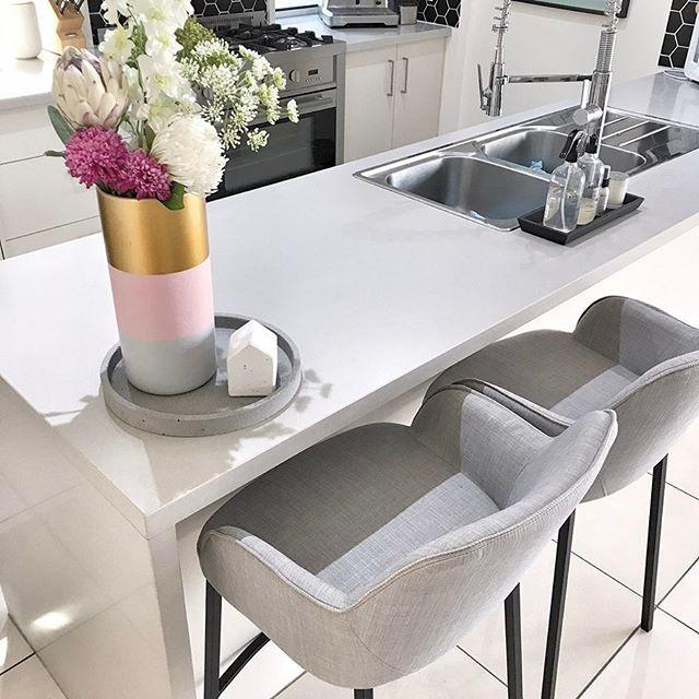 Kitchen Bar stool goals