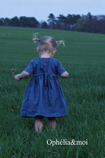 Freebook Ophelia süßes Kleid für Kinder/ Mädchen aus Webware mit vielen Versionen für Rockteil, Kragen und Ärmel 68 - 116 nähen (kostenloses Schnittmuster)