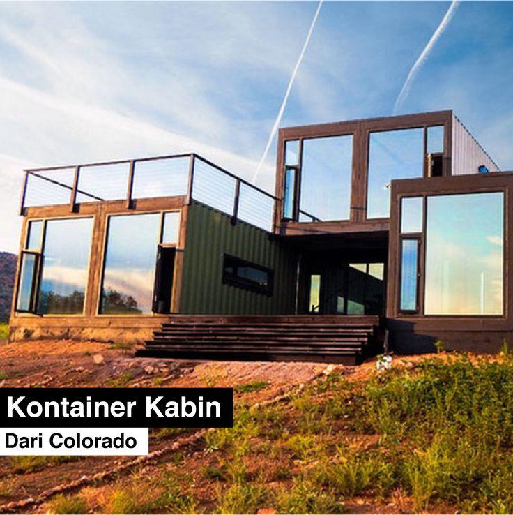 Tomecek Studio menggunakan 7 buah kontainer untuk membangun sebuah rumah yang terdiri dari dua kamar tidur dan dua kamar mandi serta ruang tamu ini.