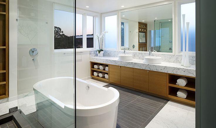 Bathroom: Pacific Avenue by John Maniscalco Architecture