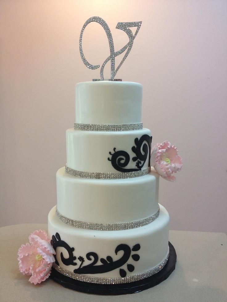 White And Black Elegant Wedding Cake