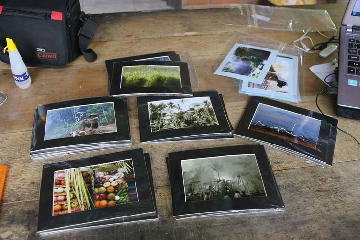 Exclusive high resolution photos signed by the artist. One set 10 pieces only 50 euro or 60 usd  including send. www.dutchartist.nl