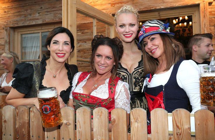 Alexandra Polzin, Christine Neubauer, Franziska Knupper und Simone Thomalla