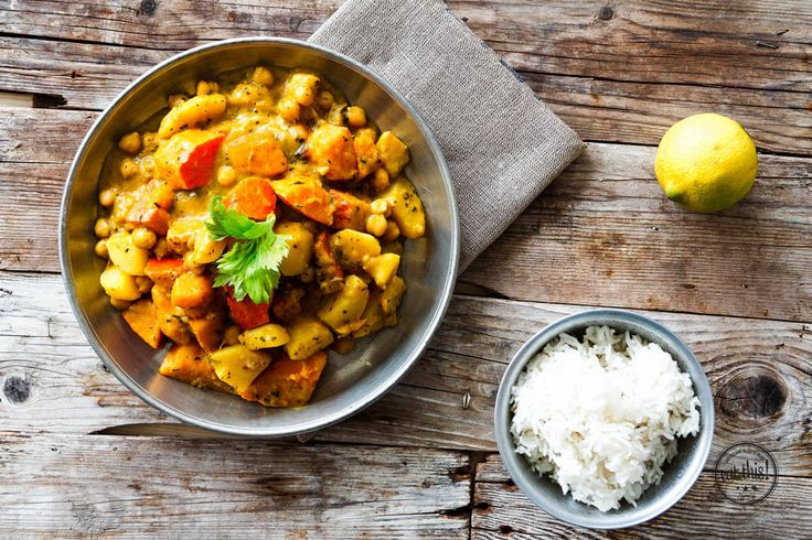 Ganz ohne Ghee haben wir jetzt für euch ein wirklich leckeres Curry gezaubert, dass es garantiert mit jedem Restaurant aufnehmen kann - probiert´s aus!
