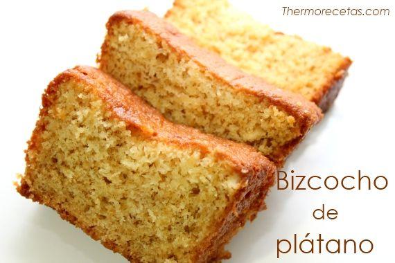 Receta de un bizcocho de plátano hecho con la Thermomix. #recetas #postres #bizcocho #thermomix