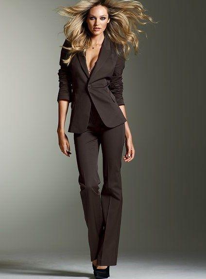 Женские деловые костюмы