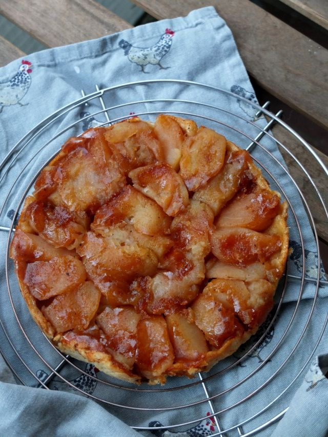 'rustic' apple tarte tatin with Chinese Five Spices and Tamarind #healthy #spelt #apple #tartetatin #recipe #chinesefivespices #tamarind