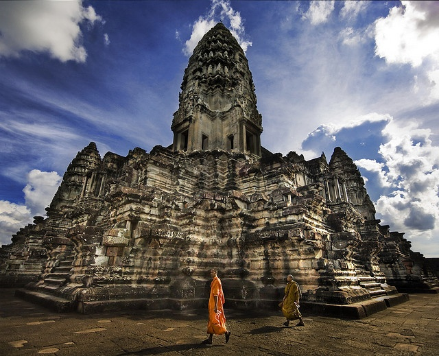 This is one of the most incredible pictures of Angkor Wat I've seen.