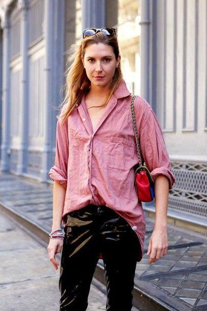 jc4mas-l-610x610-pants-black+vinyl+pants-vinyl-black+pants-leather+pants-black+leather+pants-shirt-pink+shirt-bag-red+bag-sunglasses-tumblr.jpg (406×610)