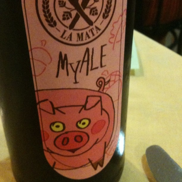 Ottima birra MyAle col maialino sull'etichetta...