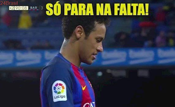 """Neymar """"provoca expulsão"""" de jogador no jogo do Barça - Barcelona vs Sevilla"""