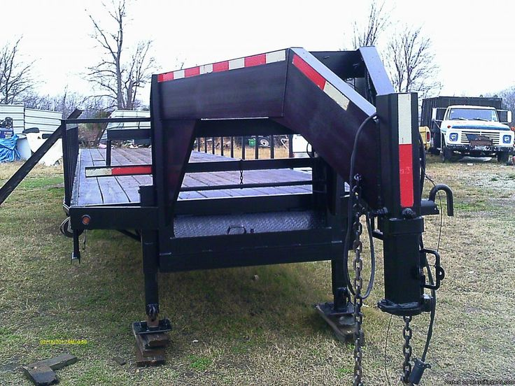 40 ft trailmaster with 12,000 lb dual tandem axles with electric over hydralic brakes.dual jacks.Heavy duty ratchet straps.4 ft side rails we can remove for you if needed.Trades and layaway welcome.We have many cattle and horse trailers for sale and trade also.We have new enclosed,cutom dumps,landscaping trailers,utility,car haulers and more for sale.Delivery possible.LITTLE TEX TRAILER SALES 9810 E HYW 175 KEMP,TEXAS 75143..214-243-6540....20 MINUTES EAST OF DALLAS AT FRONTAGE RD EXIT...IN…