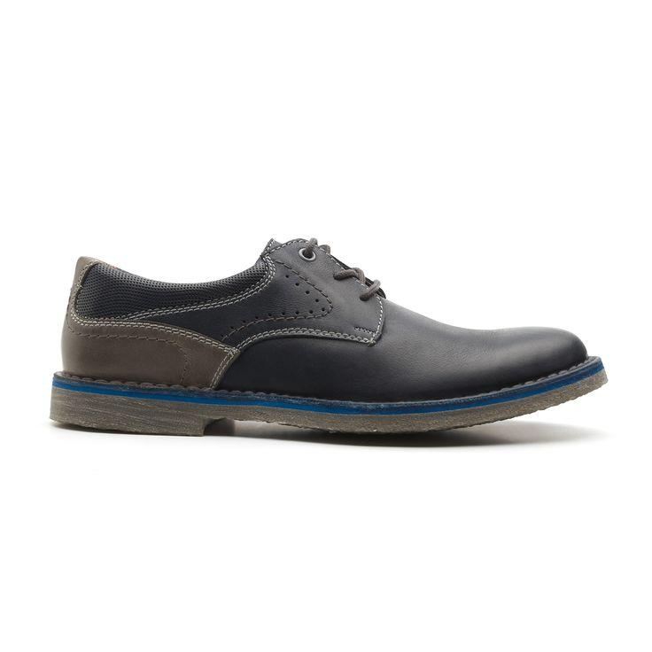 Nueva línea masculina de zapato de agujetas y bota de líneas clásicas pero con un aire actual debido a los toques de color en piel, suela y agujetas así como por los detalles de pespuntes y perforados. cuenta con una cómoda plantilla forrada en piel.