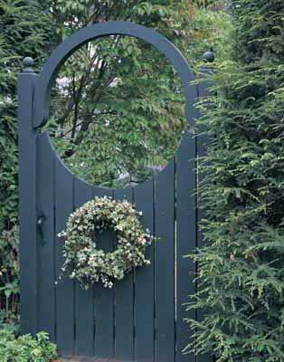 Google Image Result for http://www.oldhousejournal.com/magazine/2008/aug/garden-gate.jpg Add wreath to gate