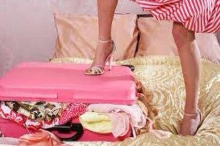 Le vacanze si avvicinano e come ogni anno arriva il momento in cui devi preparare la valigia ma non sai cosa mettere... non stressarti! Grazie alla tua personal shopper, potrai organizzare al meglio il tuo viaggio portando con te un outfit per ogni occasione senza doverti portare l'intero guardaroba in vacanza!   Per info: 340/3114266 - info@milanopersonalshopper.it  www.milanopersonalshopper.it  #PersonalShopper #PreparazioneValigia #UnOutfitPerOgniOccasione #LoveForStyle…