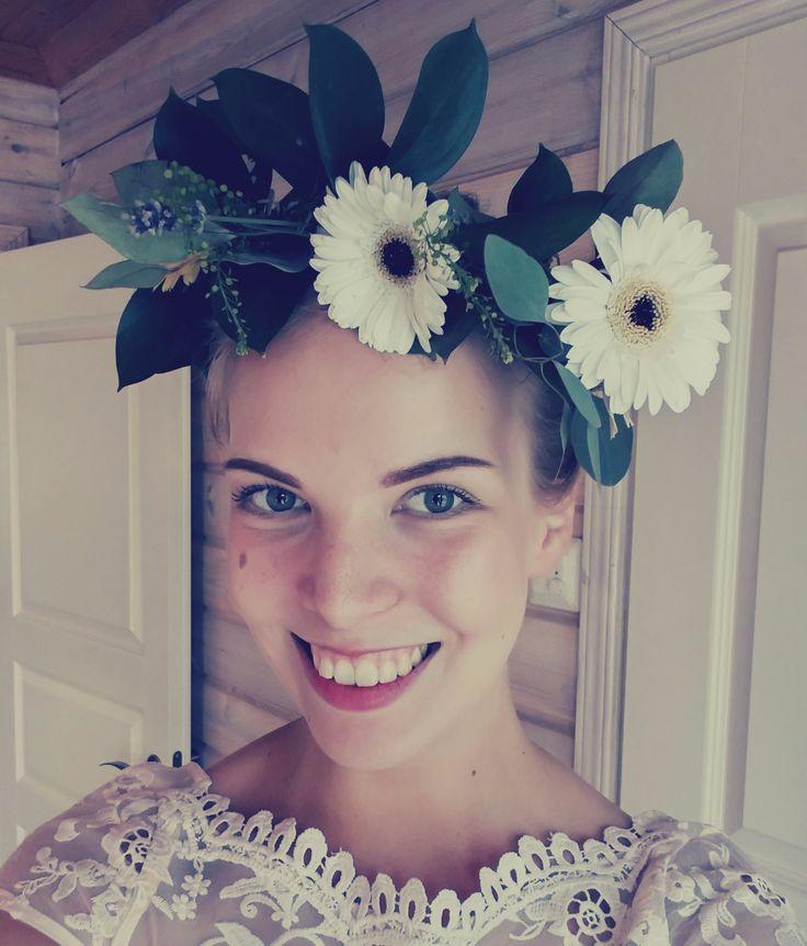 #wedding #bridesmaid #flowercrown