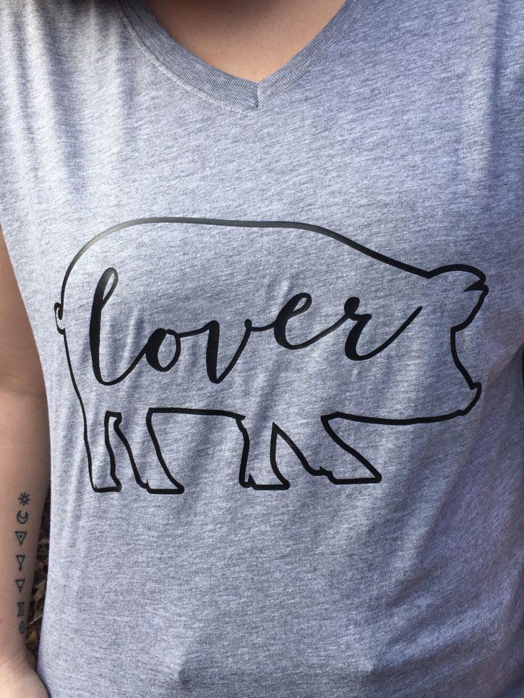 Pig Lover TShirt / Pig Shirt / Pig Lover Gift / Animal Lover Gift / Animal Lover Shirt / Pig Stuff by TeenyTotsStudio on Etsy https://www.etsy.com/listing/506426113/pig-lover-tshirt-pig-shirt-pig-lover