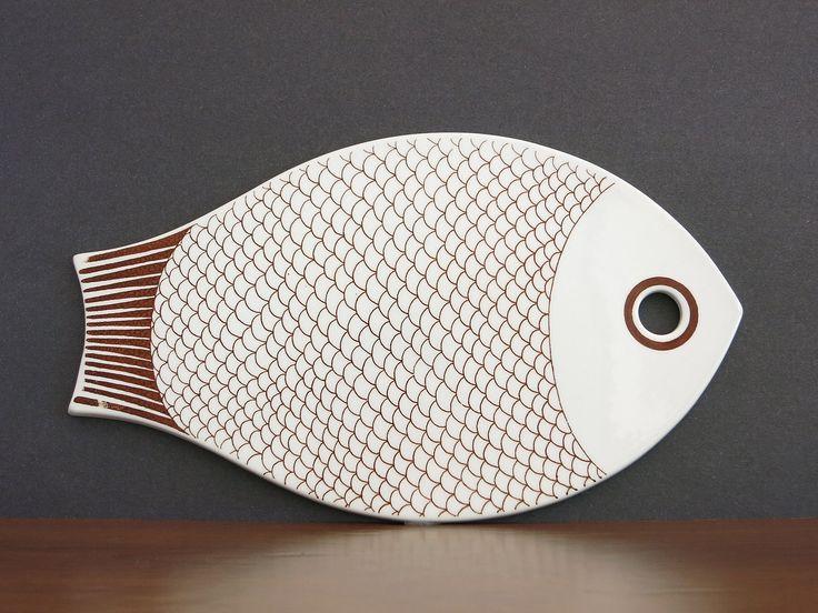 Vintage arabia finland fish cutting board trivet kaarina for Fish cutting board