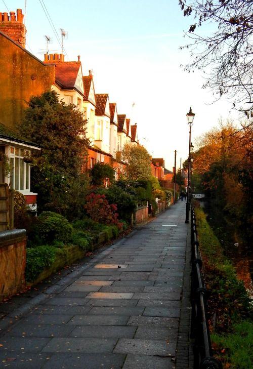 Enfield, London, EN1 - Gentlemans Row